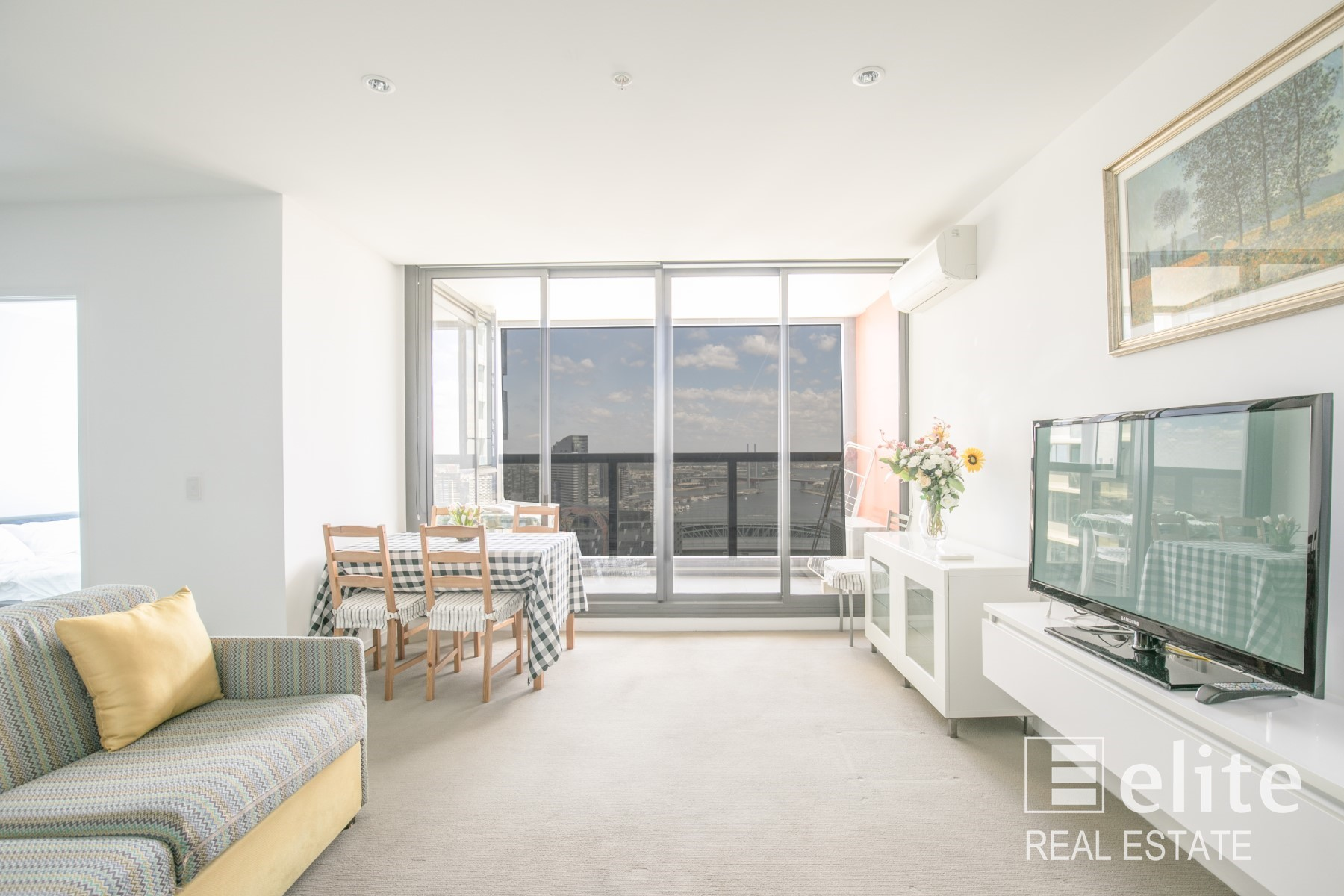Short stay: Upper West Side 3210/639 Lonsdale Street, melbourne